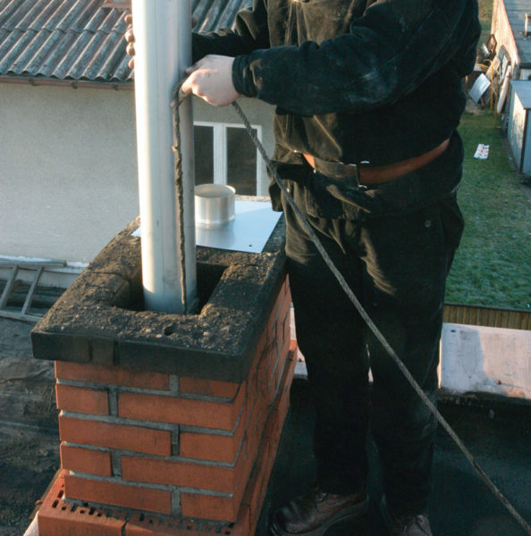 Монтирование воздуховода для камина при монтаже самостоятельно