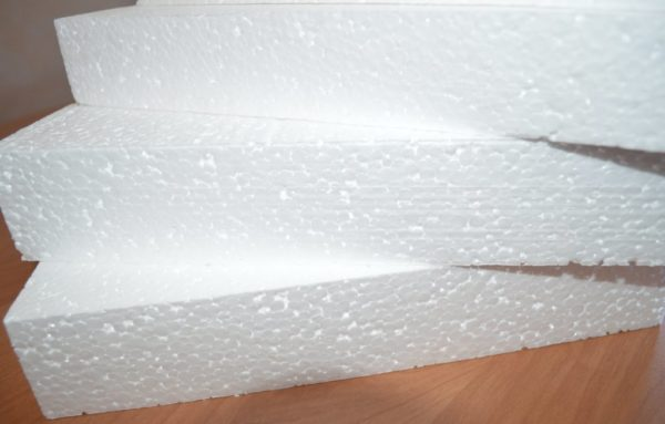 Пенопласт - самым распространенный утеплительный материал применяемый при отделке балконов и лоджий
