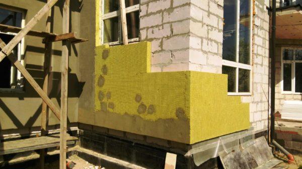 Утепления фасада здания пенополистиролом или минеральной ватой 2